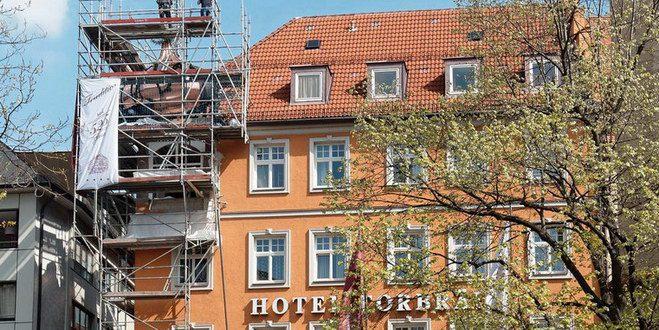 D160420-10090500-100-Hotel_Torbraeu-Turmzwiebel-Richtfest